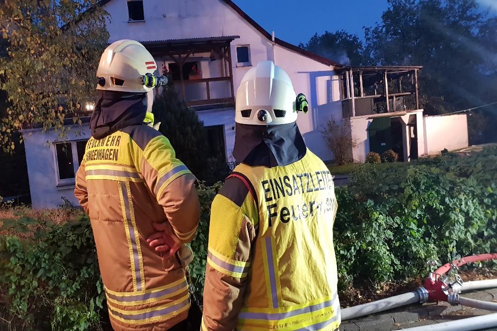 Feuerschein am Gebäude